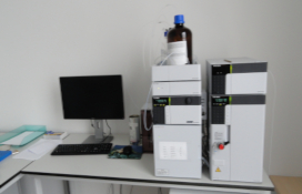 photo of the High-performance liquid chromatographs with chiral columns set